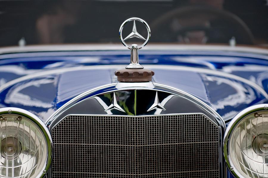 1929 Mercedes-benz S Erdmann & Rossi Cabiolet Photograph - 1929 Mercedes Benz S Erdmann And Rossi Cabiolet Hood Ornament by Jill Reger