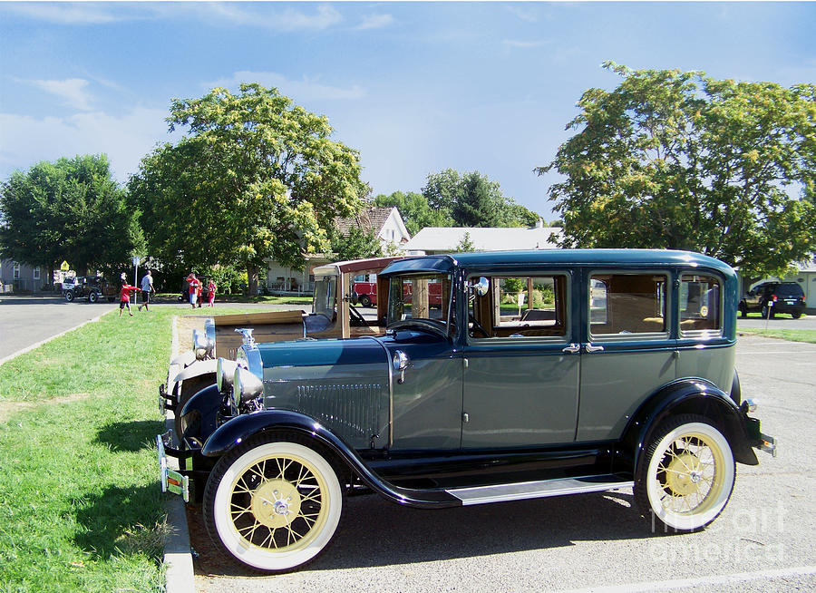 Car Town Iphone >> 1929 Model A Ford Fordor Town Car Photograph by Charles Robinson