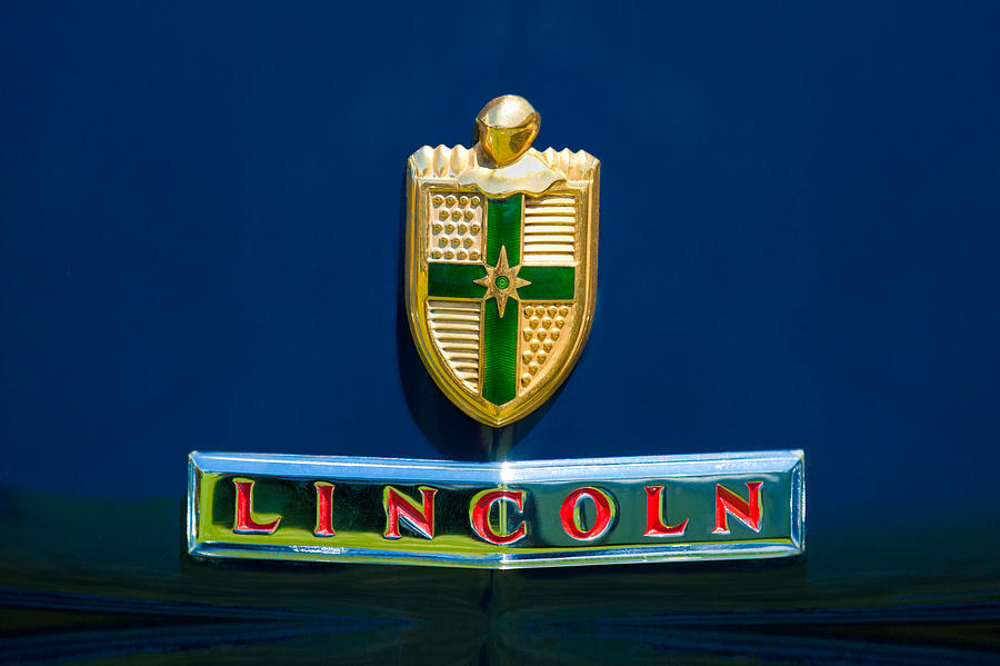 Lincoln Logo Photograph - 1942 Lincoln Continental Cabriolet Emblem by Jill Reger