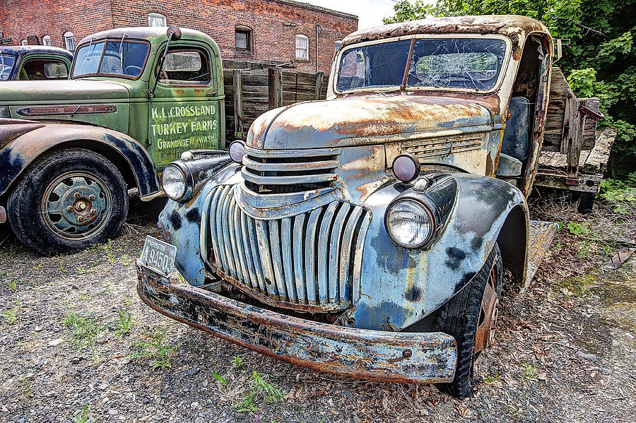 1946 Chevy Flatbed Truck Photograph by Daniel Hagerman