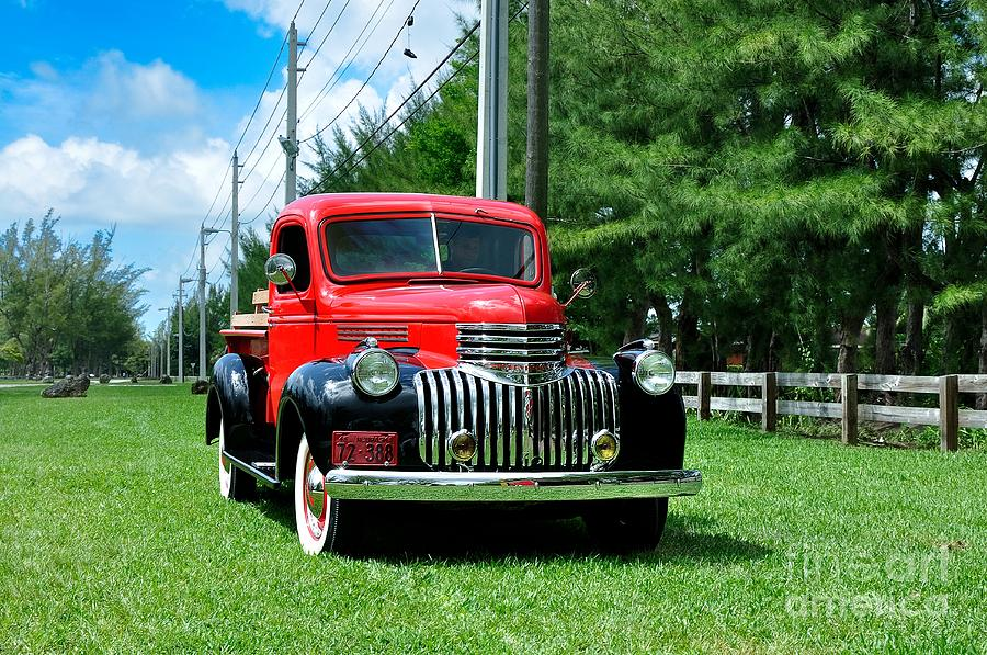 Chevy Photograph - 1946 Chevy Short Bed by Andres LaBrada