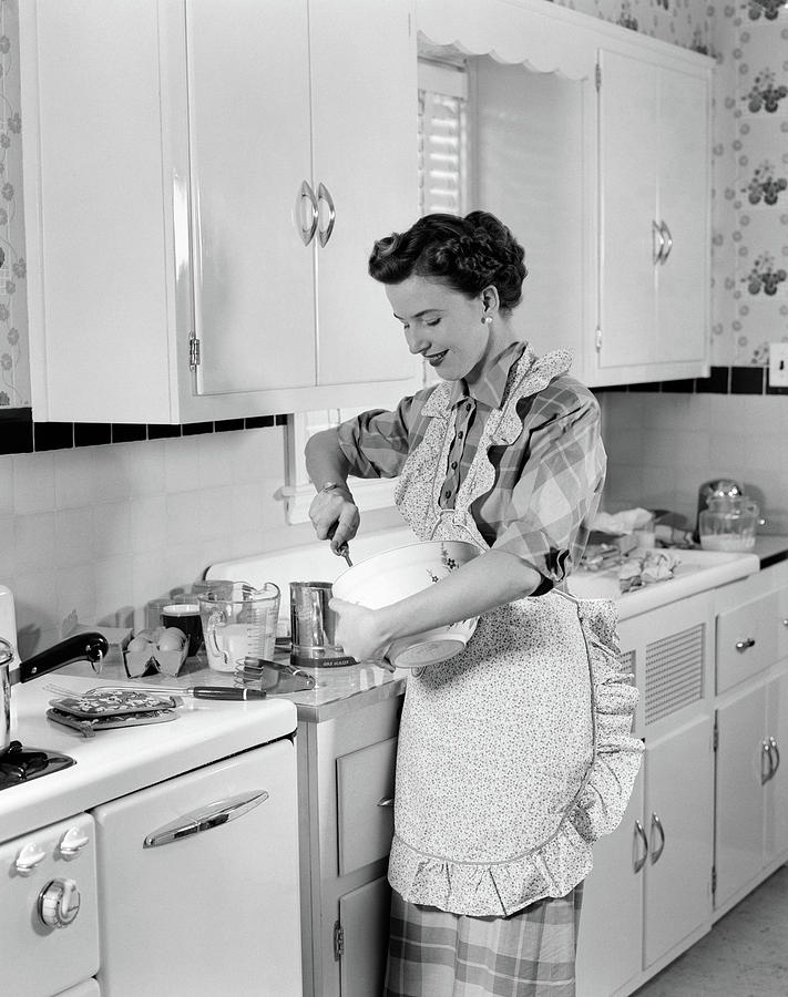1950s Woman Housewife In Kitchen Apron Photograph by ...