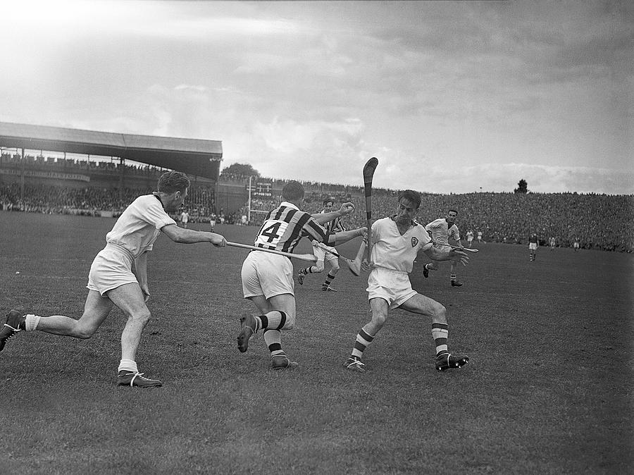 1957 All Ireland Hurling Final Photograph By Irish Photo Archive
