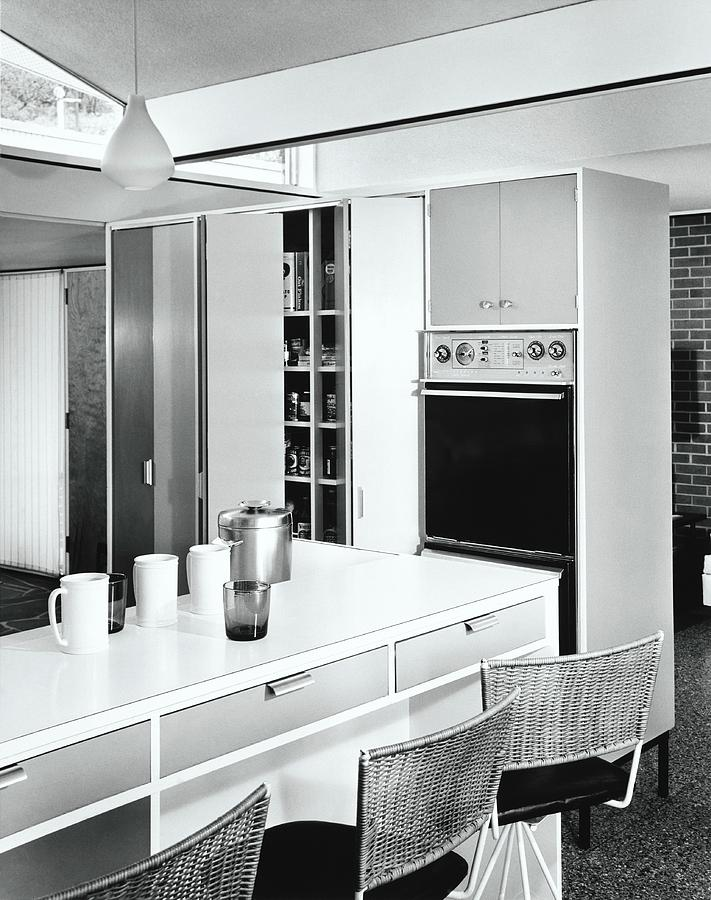 1960's Style Kitchen by Pedro E. Guerrero
