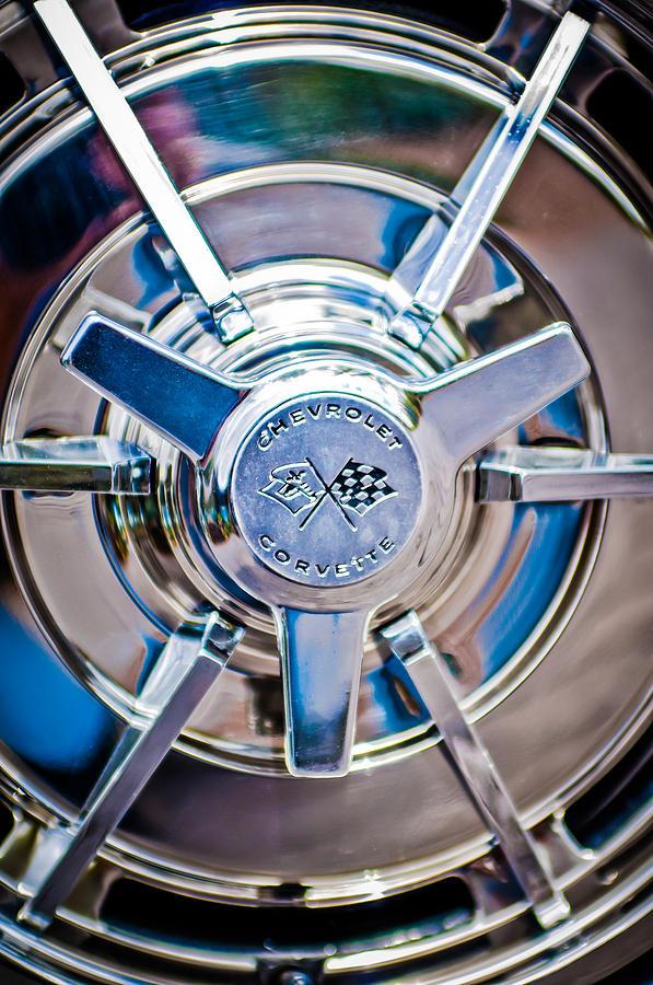 Vintage Corvette Photograph - 1963 Chevrolet Corvette Split Window Wheel -111c by Jill Reger