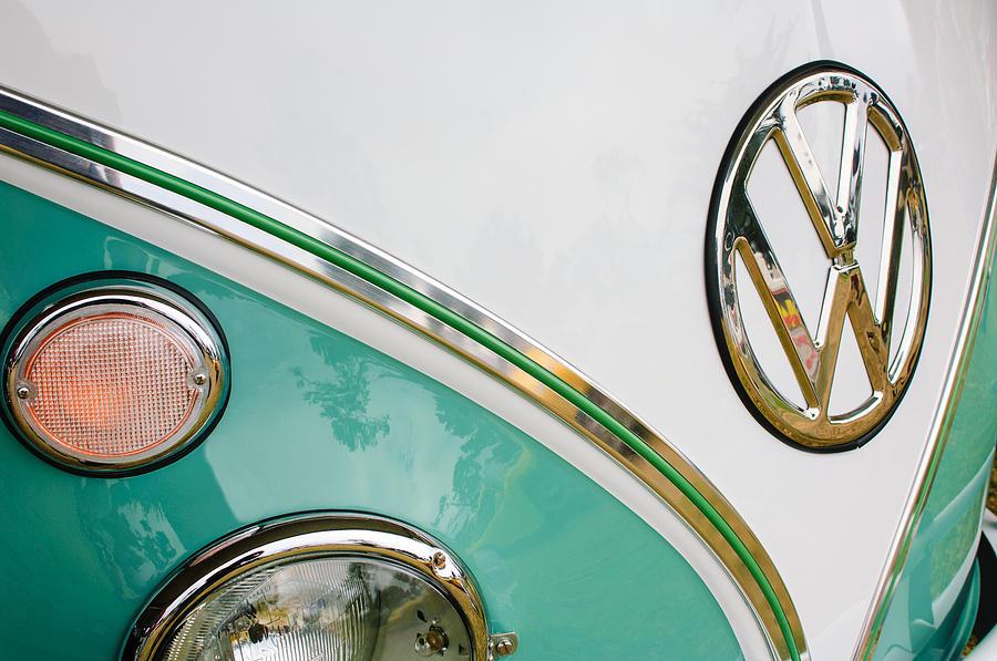 Emblem Photograph - 1964 Volkswagen Samba 21 Window Bus Vw Emblem by Jill Reger