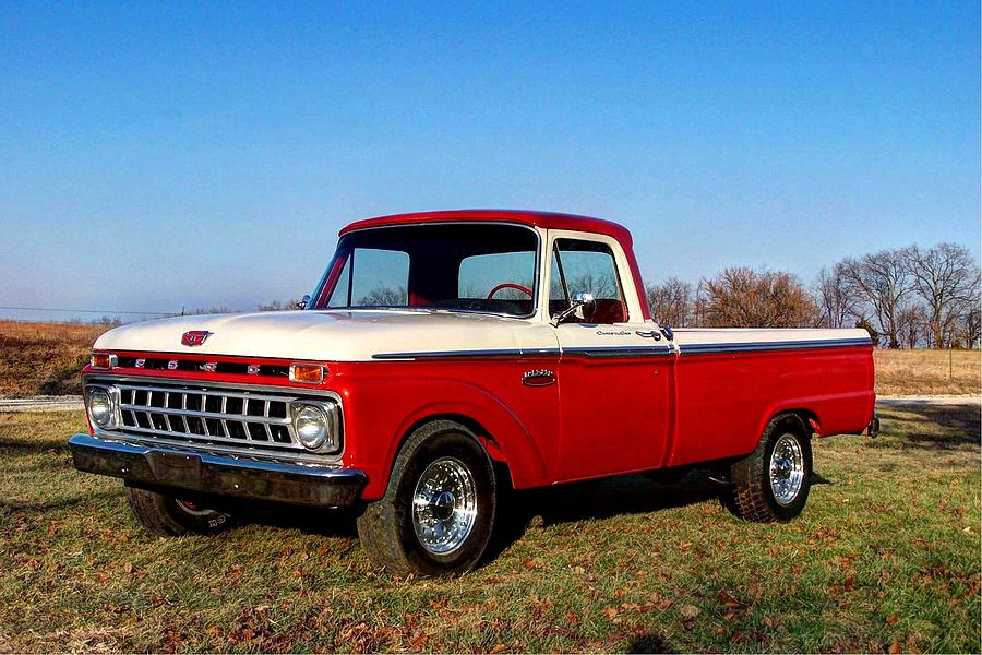 1965 Ford F250 Camper Special Photograph by Jean Hutchison