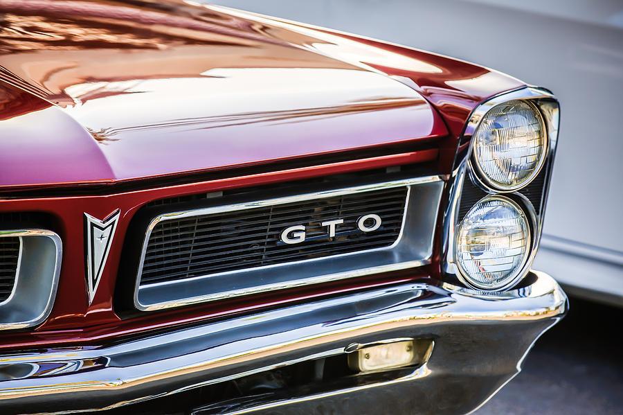 1965 Pontiac Gto Grille Emblem 0442c Photograph By Jill Reger