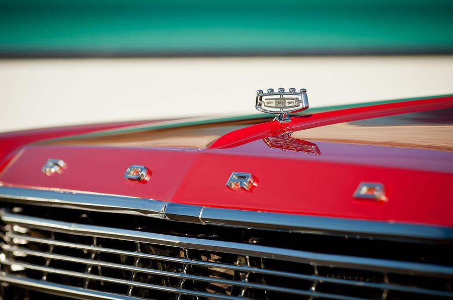 Classic Cars Ford Emblem