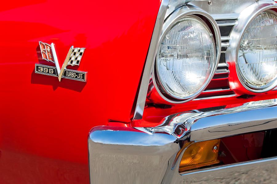 Muscle Cars Photograph - 1967 Chevrolet Chevelle Ss Emblem by Jill Reger