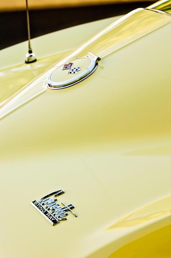Sports Cars Photograph - 1967 Chevrolet Corvette Sport Coupe Emblem 2 by Jill Reger