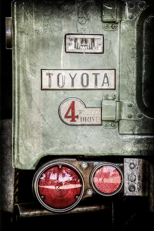 Toyota Pictures Photograph - 1969 Toyota Fj-40 Land Cruiser Taillight Emblem -0417ac by Jill Reger