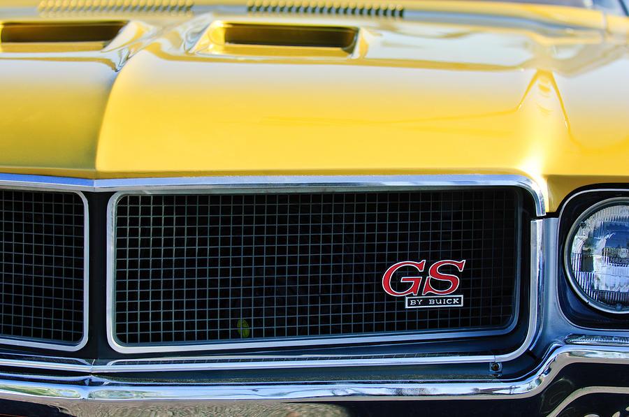 Muscle Car Photograph - 1970 Buick Gs Grille Emblem by Jill Reger