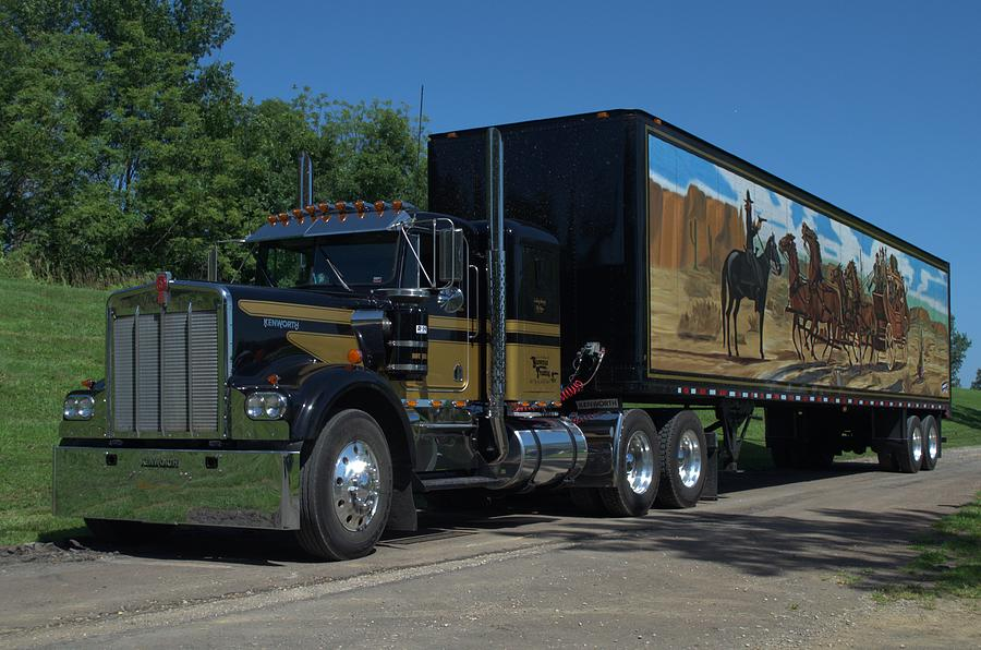 1973 Mack Tractor Truck : Smokey and the bandit tribute kenworth w black