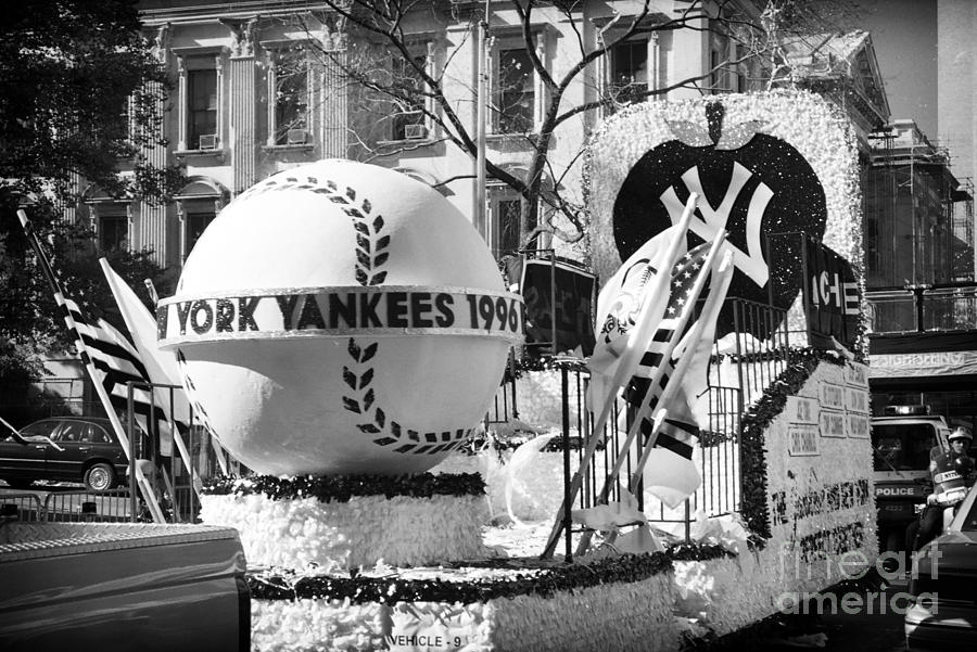 Parade Photograph - 1996 Yankees Float by John Rizzuto