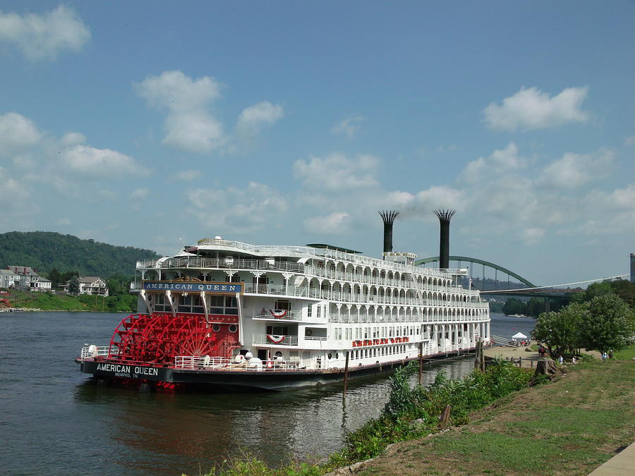 American Queen Photograph - American Queen by Willy  Nelson