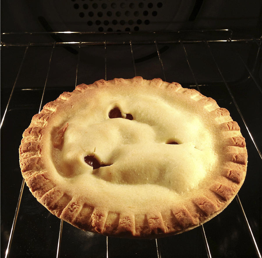 Baked Photograph - Apple Pie by Les Cunliffe