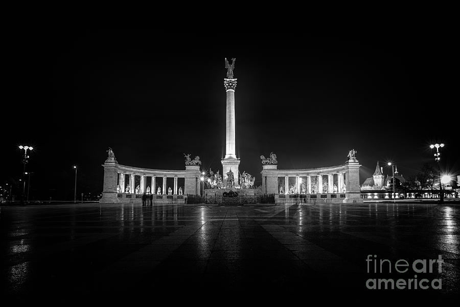Budapest Photograph - Budapest Heroes Square by Mohamed Rahmo