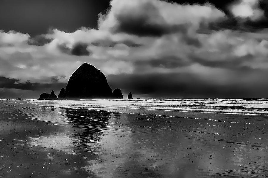 Cannon Beach Photograph - Cannon Beach - Oregon by David Patterson
