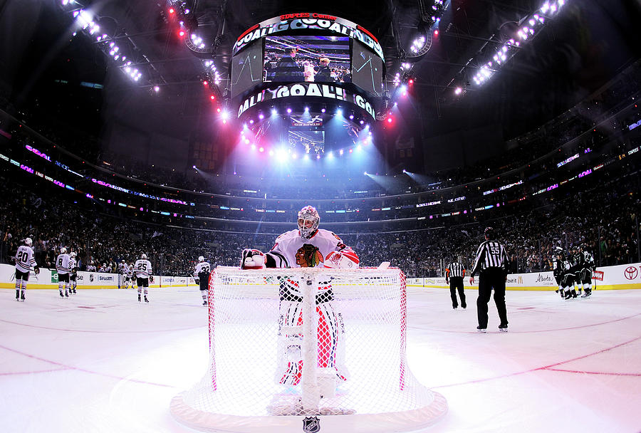 Chicago Blackhawks V Los Angeles Kings Photograph by Jeff Gross