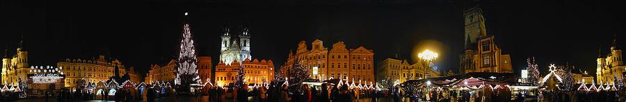 Panoramic Photographs Photograph - Christmas Market by Gary Lobdell