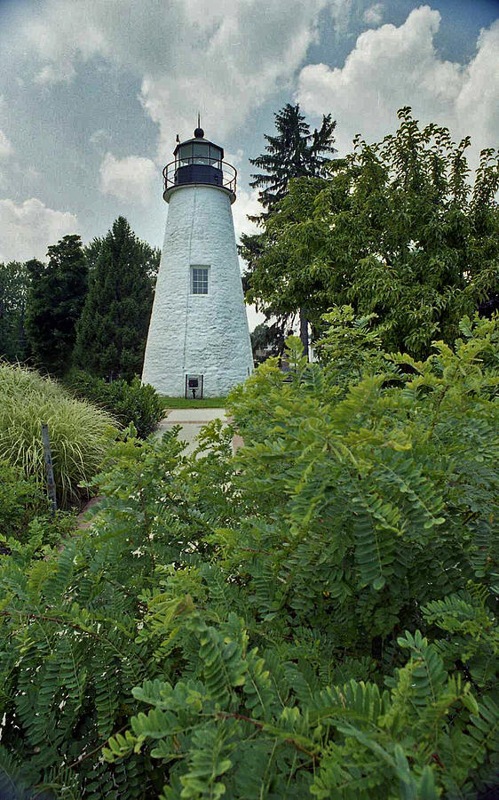 Concord Photograph - Concord Point Lighthouse by Skip Willits