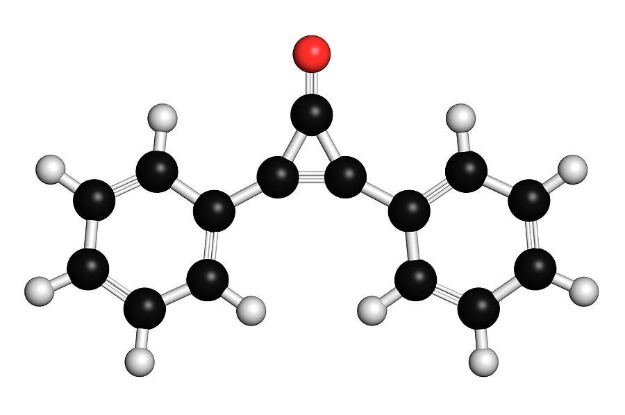 Alopecia Photograph - Diphencyprone Alopecia Drug Molecule by Molekuul