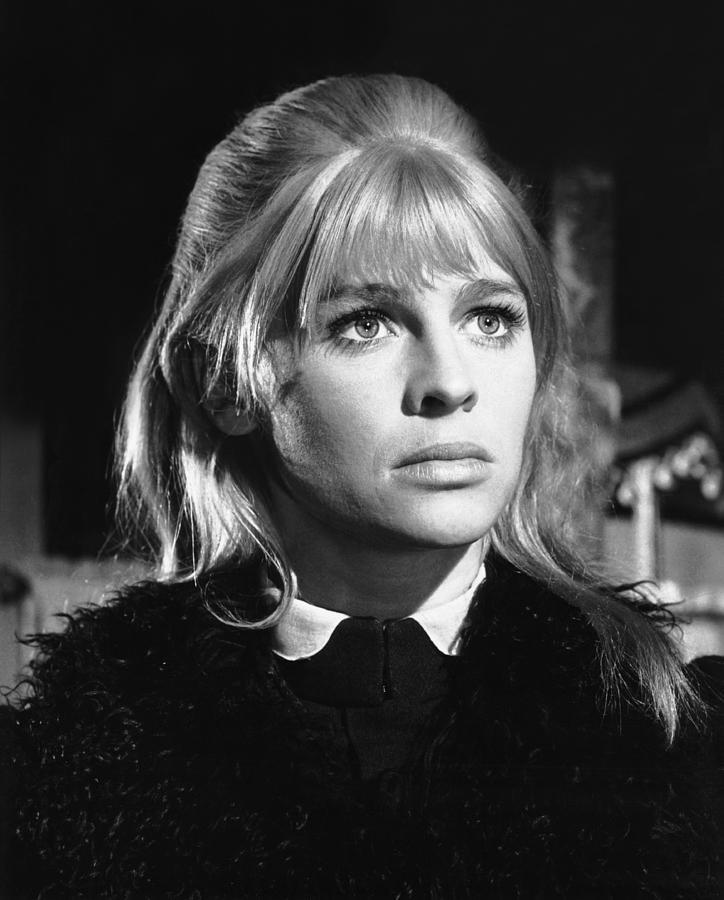 2-doctor-zhivago-julie-christie-1965-everett.jpg