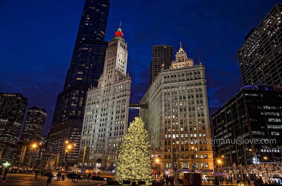 Downtown Chicago At Christmas Photograph by Emanuel Love