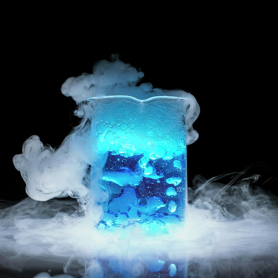 Beaker Photograph - Dry Ice Vaporising by Science Photo Library