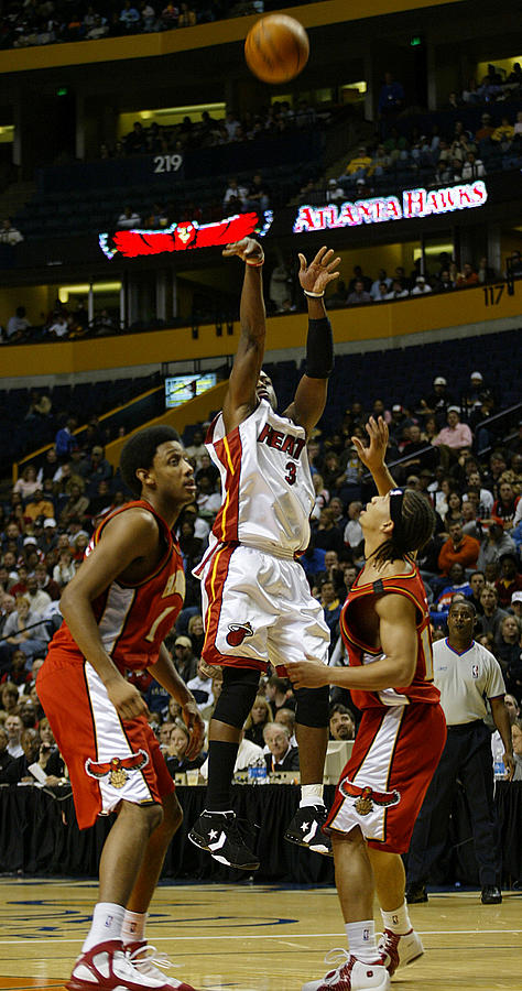 Miami Heat Photograph - Duane Wade by Don Olea