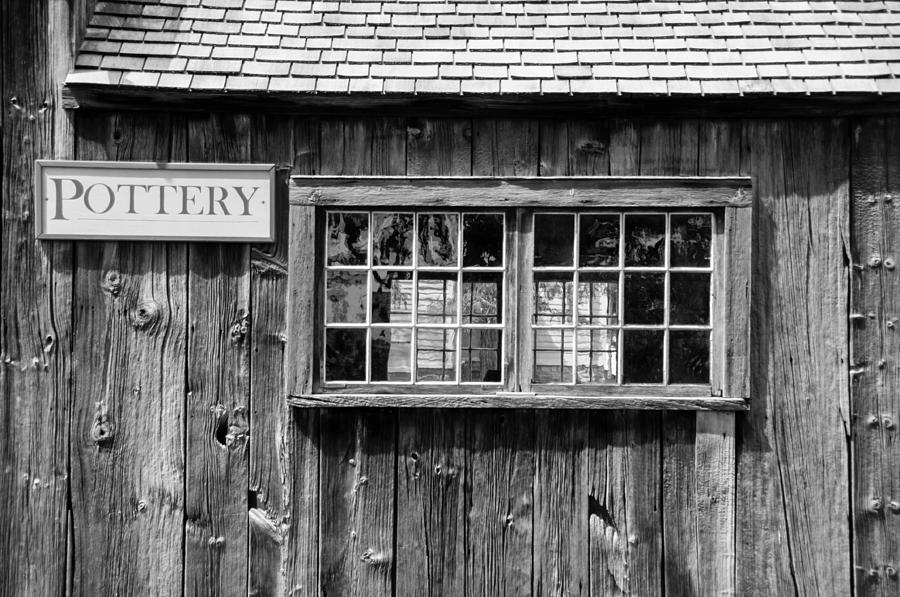 Colonial Buildings Photograph - Flint Hill Pottery by Guy Whiteley