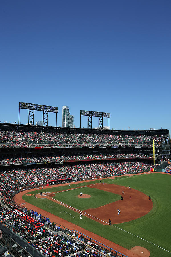 Los Angeles Dodgers V. San Francisco Photograph by Brad Mangin