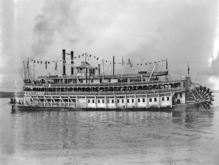 1910 Photograph - New Orleans Steamboat by Granger