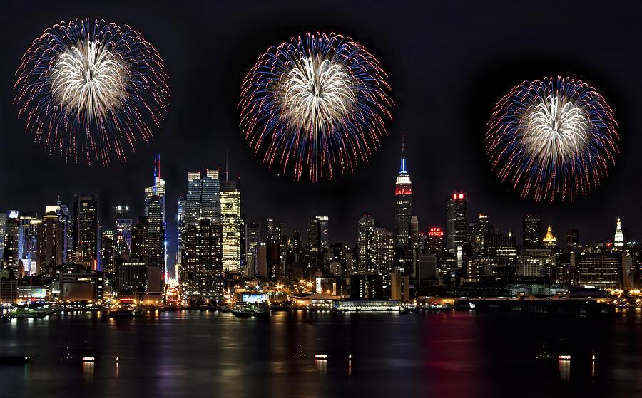 New York City Photograph - New York City Celebrates The 4th by Susan Candelario