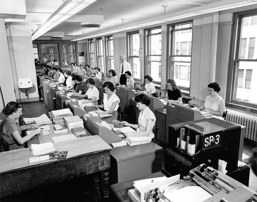 1035-287 Photograph - Office Workers Entering Data by Underwood Archives