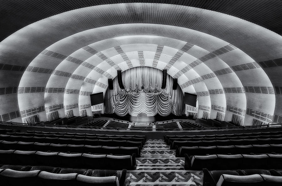 Radio City Music Hall Photograph - Radio City Music Hall Theatre by Susan Candelario