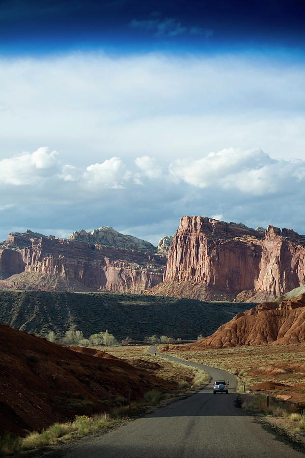 Capitol Reef National Park Photograph - Redrock Scenery In Capitol Reef by Scott Warren