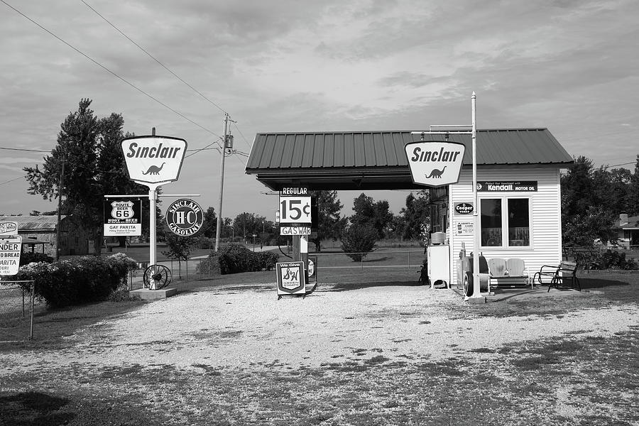 66 Photograph - Route 66 Gas Station by Frank Romeo