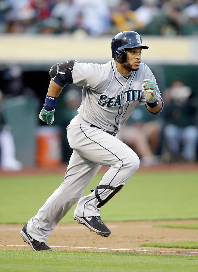 Seattle Mariners V Oakland Athletics Photograph by Ezra Shaw