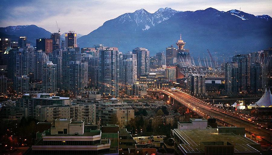 Vancouver Photograph - Sparkle by Fraida Gutovich