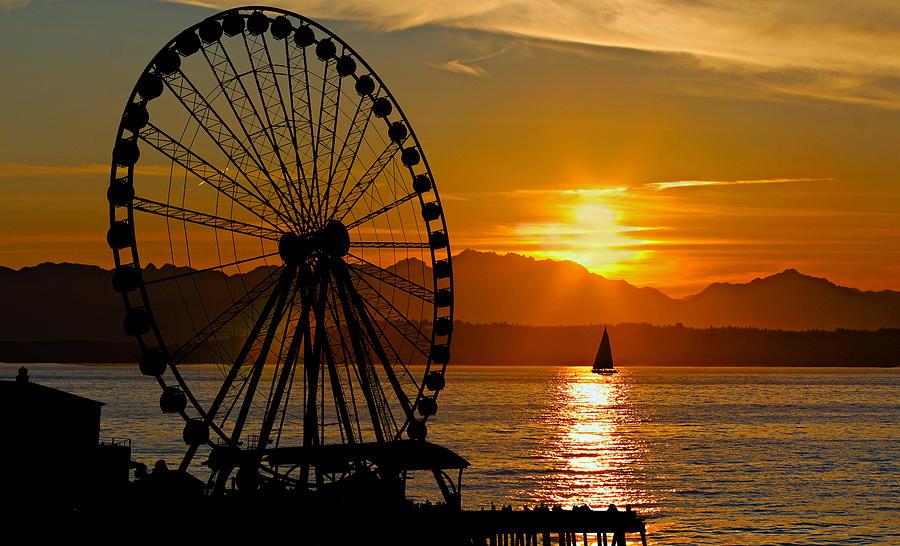 Sunset Ferris Wheel Photograph by Paul Fell