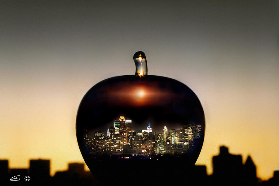 The Big Apple Photograph - The Big Apple by Etti PALITZ