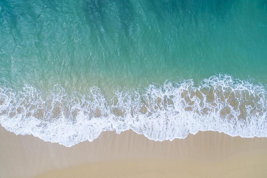 The sea and the island. Photograph by Kokouu