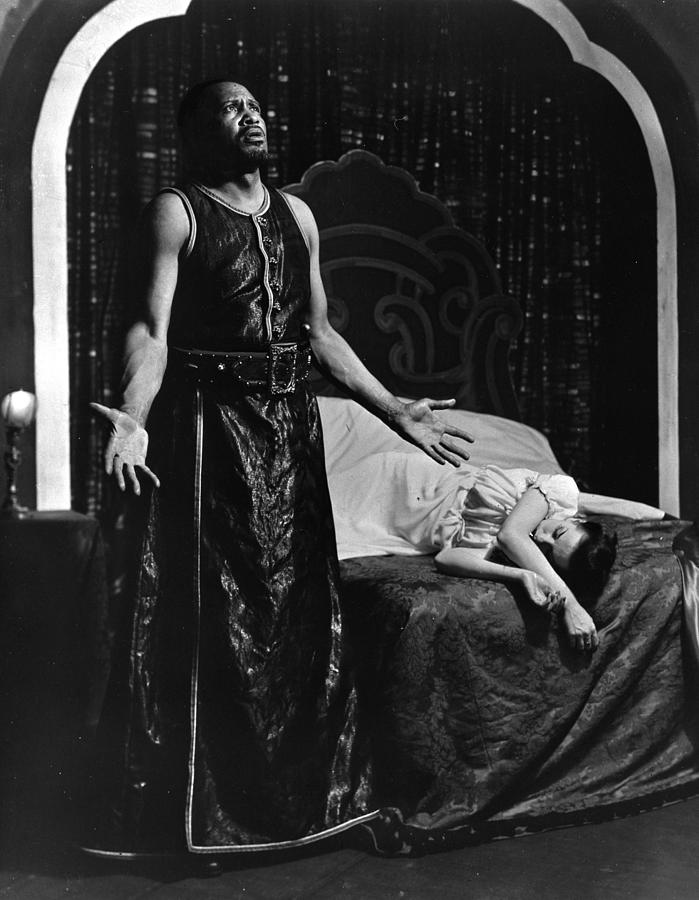 1943 Photograph - Theatre Othello, 1943 by Granger