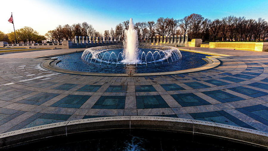 Horizontal Photograph - Washington D.c. - Fountains And World by Panoramic Images