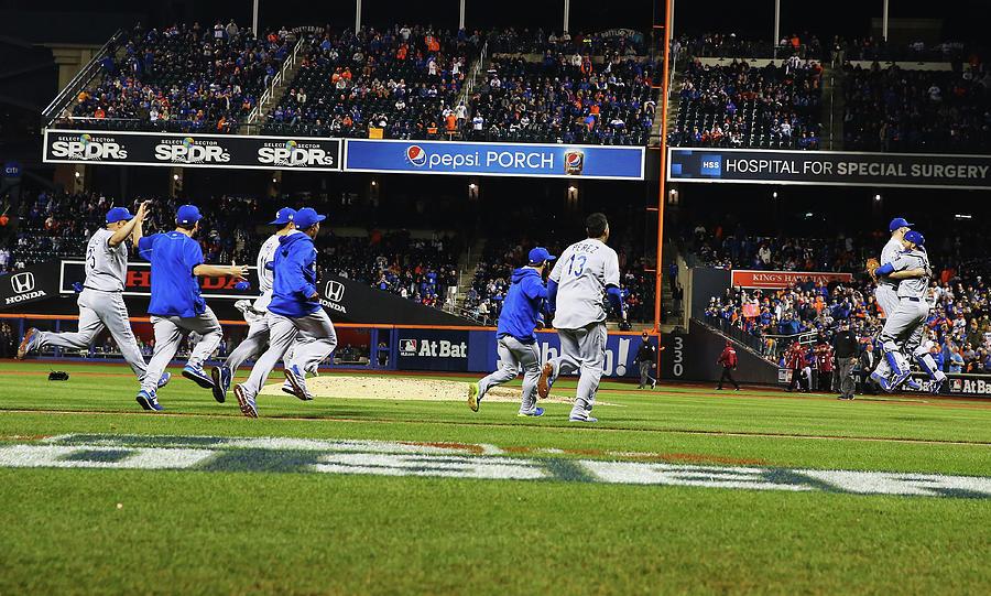 World Series - Kansas City Royals V New Photograph by Al Bello