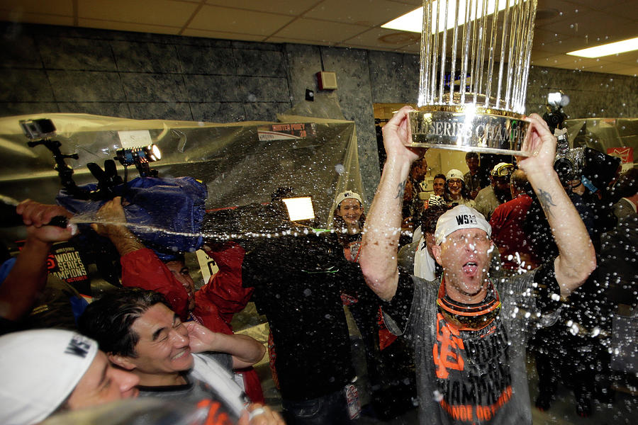 World Series - San Francisco Giants V 2 Photograph by Ezra Shaw