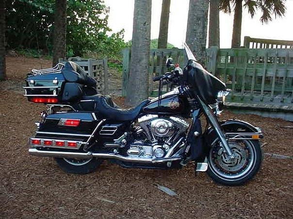 2002 Electra Glide Classic Harley Davidson Photograph - 2002 Electra Glide Classic by Bruce Kessler