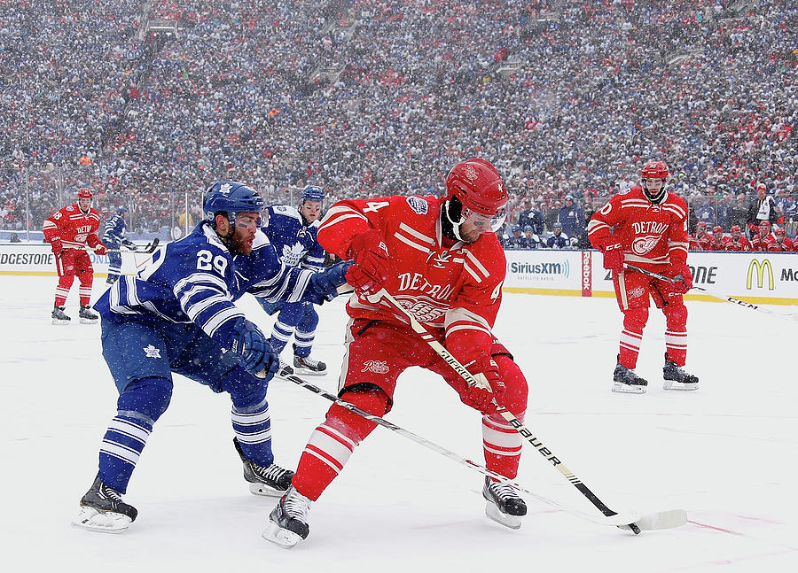 2014 Bridgestone Nhl Winter Classic - Photograph by Gregory Shamus